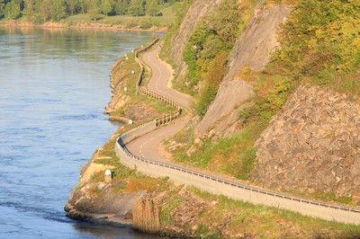 ViaRhôna - Piste cyclable Chanaz Belley – Massignieu de Rives - Ain © Rhône-Alpes Tourisme - Image BEEGOO