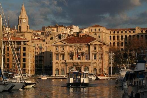 Bouche du Rhône - Marseille : L'Hôtel de Ville – Vieux Port
