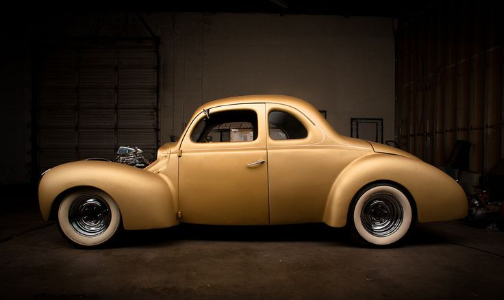 As she sits. Gold Fever by Leslley Scotte. (par Scotte Photography)  More cars here.