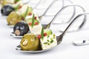 Aperitivul rece grecesc este un aperitiv festiv absolut dedlicios si revigorant potrivit pentru zilele calde de vara.