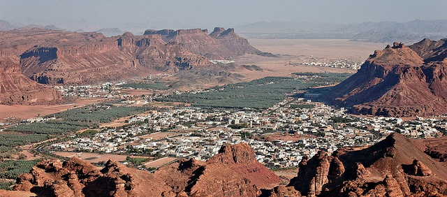 The town of Al-Ula by www.thesignaturehotels.com