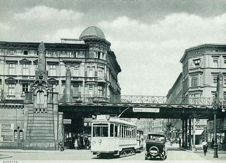 Ulica Świdnicka - widok od dzisiejszej ulicy Powstańców Śląskich.1930