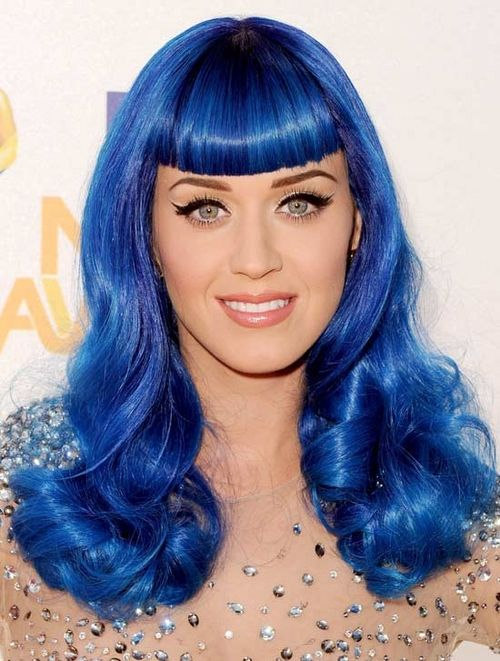 Not Sure Many Women Could Pull Off Blue Hair But Katy Can Could You Rock This Look Katy Perry Hair Blue Hair Wig Hairstyles