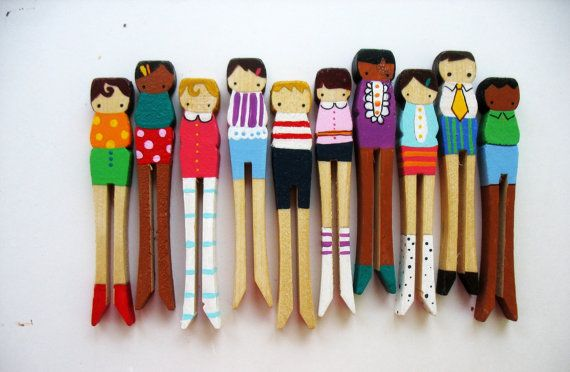 Painted clothes pins--would make great fridge magnets.