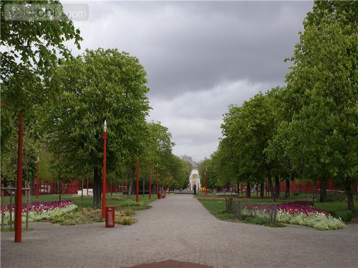 Het is heerlijk relaxen in Parc Jean-Baptiste Lebas in Lille. Ook kun je de kinderen hier op verschillende speelpleintjes laten spelen.
