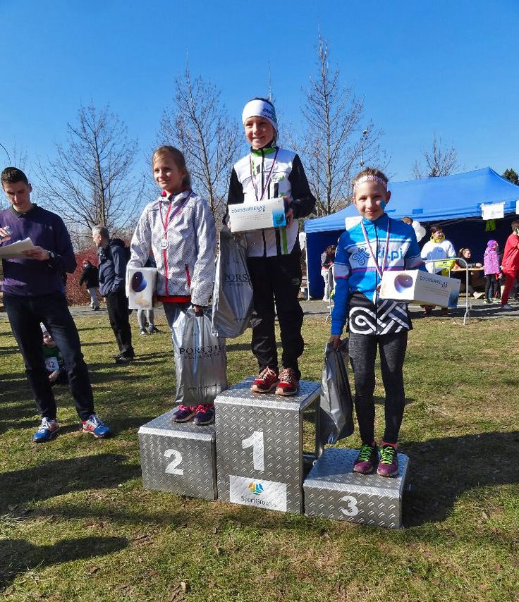 Our young racers Ally, Natalie, Marianka and Veronica participated in cross-country race Kbelská desítka, where Naty won bronze medal. All really enjoyed the race.  #Kilpi #Kilpiteam #Race #Kbelskadesitka #Medal #Event #Win
