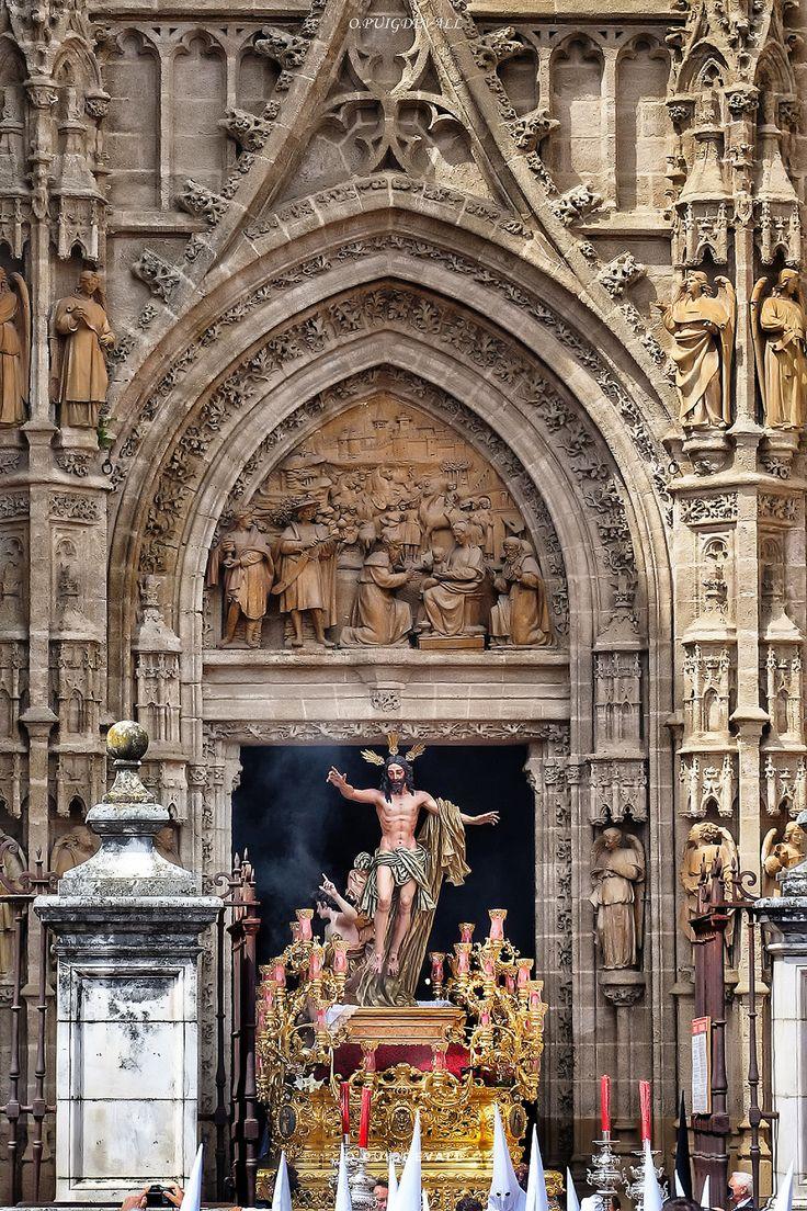 https://flic.kr/p/U5u6AD | Cristo Resucitado. Domingo de Resurreccion, Sevilla 2017. | Cristo Resucitado. Domingo de Resurreccion, Sevilla 2017.