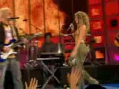 Shakira n Alejandro Sanz - La Tortura Live favorite all time duet ever!!!!!!!