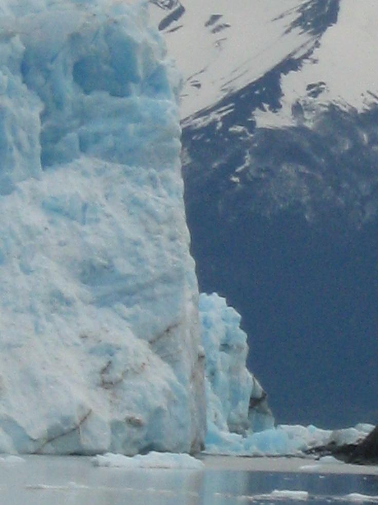 #Perito Murino glacier in #Argentina.