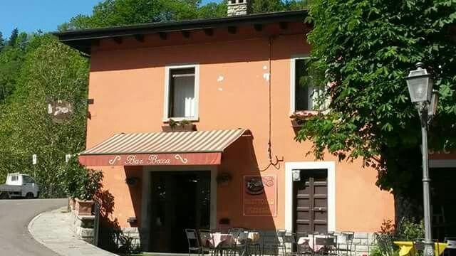 Bar Becca -Piazza Iolanda 13 Fiumalbo Tel 366 6767587