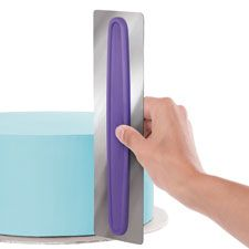 This tool is awesome it helps you smooth out your cake to look nice and neat.