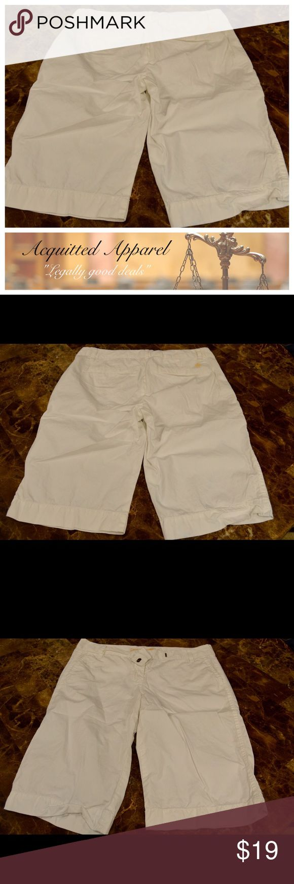 J Crew Chino Broken In Bermuda Shorts Size 4. White. Excellent condition. J. Crew Shorts