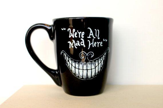 VENTE : Nous sommes tous Mad ici - tasse peinte à la main. Chat du Cheshire d