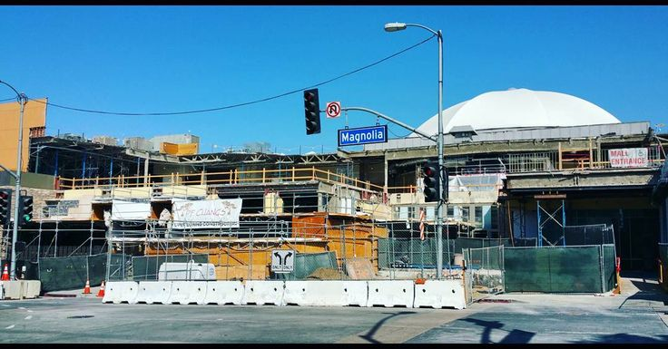 Talk about the #Decline of the #American #Malls ⌚, haha:)   Just kiddin', actually they're #ReFurbishing our old #Mall here in #Burbank, #CA , to make it even more Rockin'!:)   Which is good to hear, since Alot of #Movies and #TVShows have been Filmed here:)   How's the Mall in your #City doin' these days?:) ☺  Pic: #JamminJo 2017