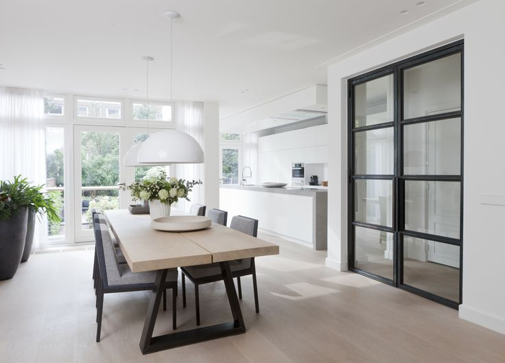 Townhouse at the park; dining + kitchen; design Remy Meijers
