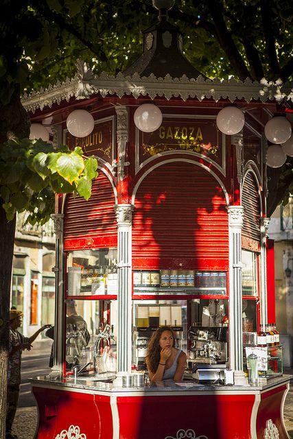 Lisboa /pare e time um refresco,um espresso a qualquer hora,no bar la for a...bjs