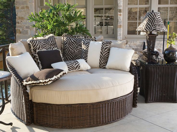 Amazing Cool Fresh Outdoor Balcony Furniture , The Best Season For Entertaining  With Outdoor Furniture Lounge Bed