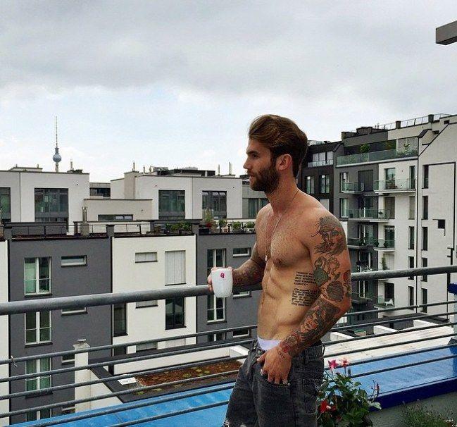 """""""Los chicos tatuados nos encantan y ellos lo saben"""" Entrevista #André Hamann #sexy #model"""
