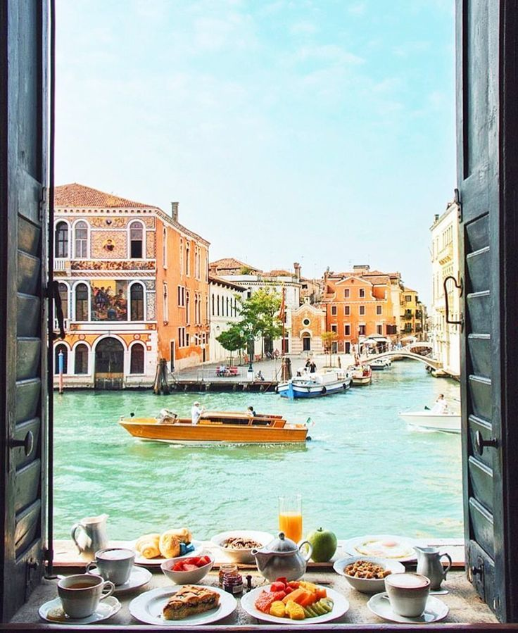 Venice, Italy ♡ Follow us /tigermistloves/ for more daily inspo ♡
