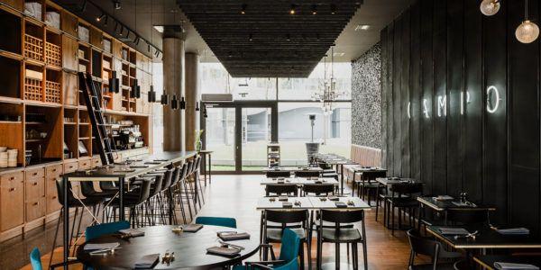 Najpiekniejsza Restauracja Swiata Znajduje Sie We Wroclawiu Campo Z Nagroda Win Awards Restaurant Interior Oversized Chair Living Room Restaurant Furniture
