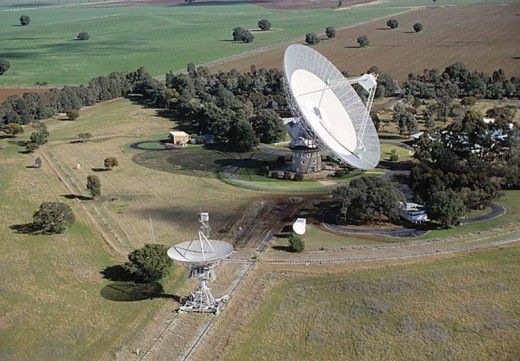 Parkes Observatory Dish in NSW. I've been there! Great place to visit ! Much impressed