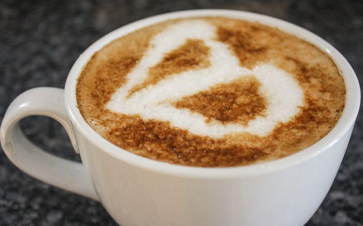 Kawa Bulletproof z olejem kokosowym z diety Paleo - kawa z olejem kokosowym wpływa na odchudzanie, utratę wagi. Olej kokosowy na odchudzanie w diecie Paleo.