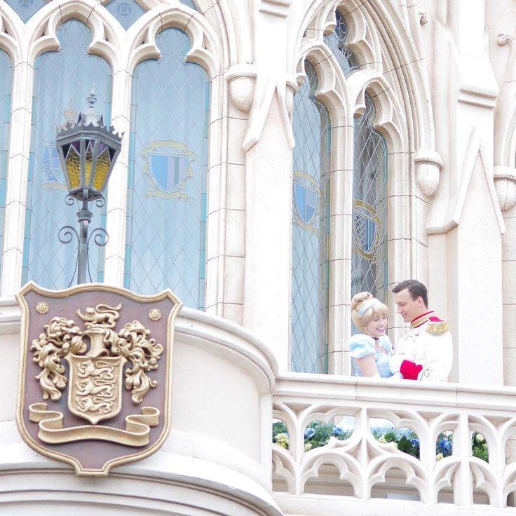 A dreamy moment 幸せなひととき♡ (Photo:@_adorableflower_)  #cinderella #princecharming #cinderellacastle #fantasyland #tokyodisneyland #シンデレラ #プリンスチャーミング #シンデレラ城 #東京ディズニーランド #東京ディズニーリゾート  これからもゲストのみなさんの写真をご紹介します。 #tokyodisneyresort などをつけて投稿してくださいね。詳しくは公式ブログでご案内しています。 http://www.tokyodisneyresort.jp/blog/151005/