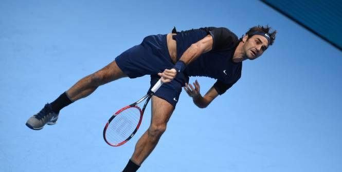 Déjà victorieux de son premier match du Masters (contre Berdych), Roger Federer a remporté son duel au sommet contre Novak Djokovic (7-5, 6-2), mardi, à Londres.