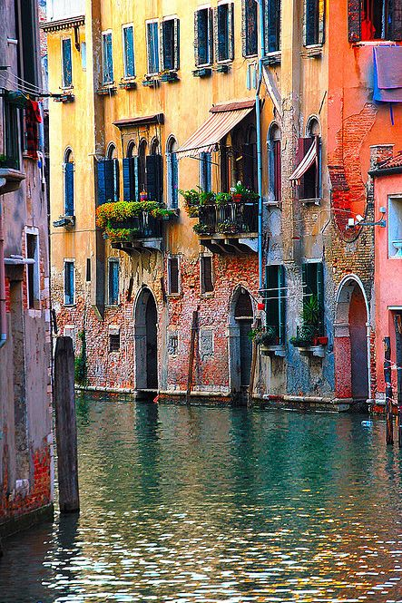 Colours of Venice, Italy - Double click on the photo to get a #travel itinerary…