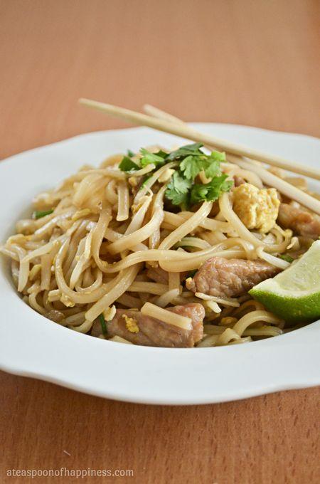 Pork Pad Thai - A Teaspoon of Happiness