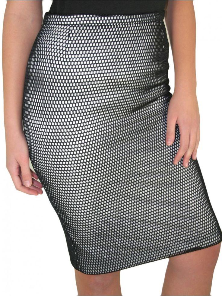ZINO JORDAN Ασπρόμαυρη φούστα, διάτρητο ύφασμα, μήκος κάτω από το γόνατο. 78,00 €