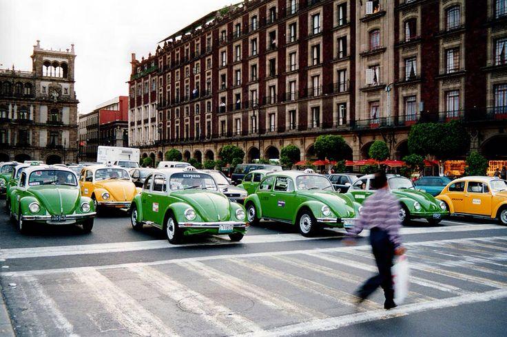 Le Tour du monde des taxis #mexico  #thevenoud #rapport #taxis #vtc #urbain  A vous de choisir la couleur pour les taxis français ! Le sondage :  http://www.lumieresdelaville.net/2014/04/24/rapport-thevenoud-une-meme-couleur-pour-les-taxis-en-france-sondage-quelle-sera-la-votre/