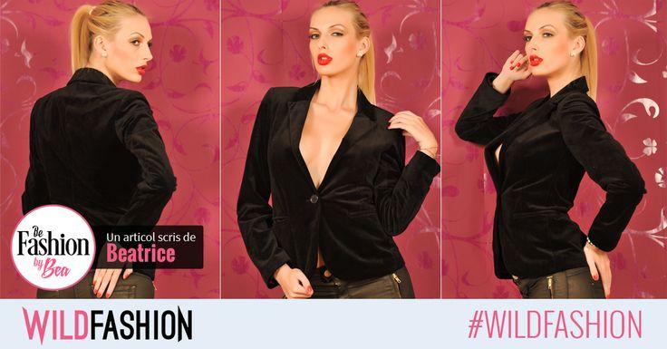 Sacourile negre sunt perfecte pentru tinutele office feminine, iar trendul toamnei - catifeaua - il face perfect pe acesta.