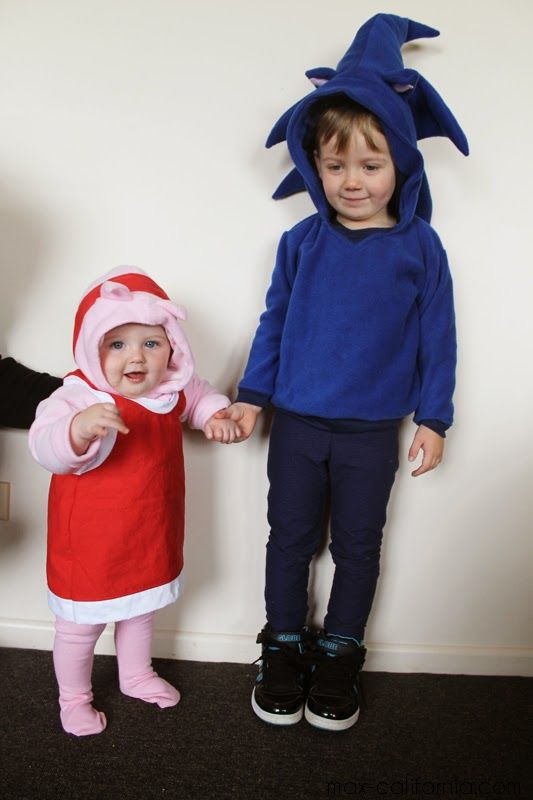 Sew Geeky Episode 1 8 Bit Babies | Sonic the hedgehog u0026 Amy Rose DIY  sc 1 st  Pinterest & 16 best dressing up outfits to make images on Pinterest | Halloween ...