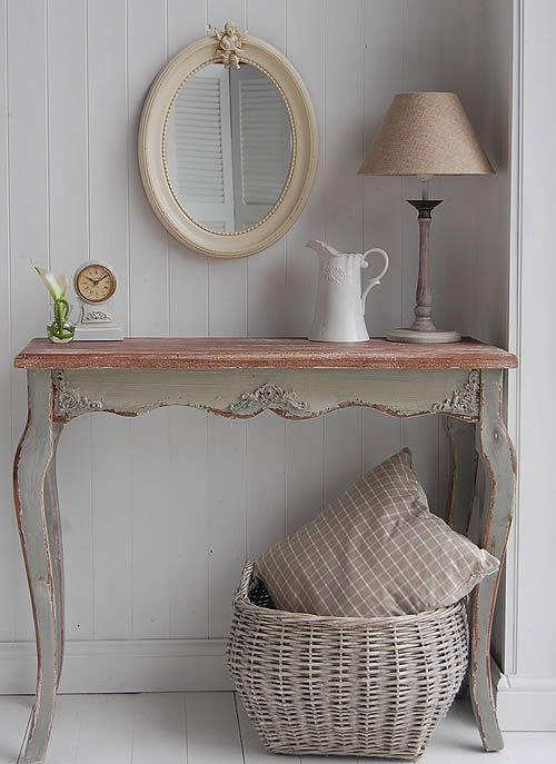 Hall Console Table. Love this mirror and table!