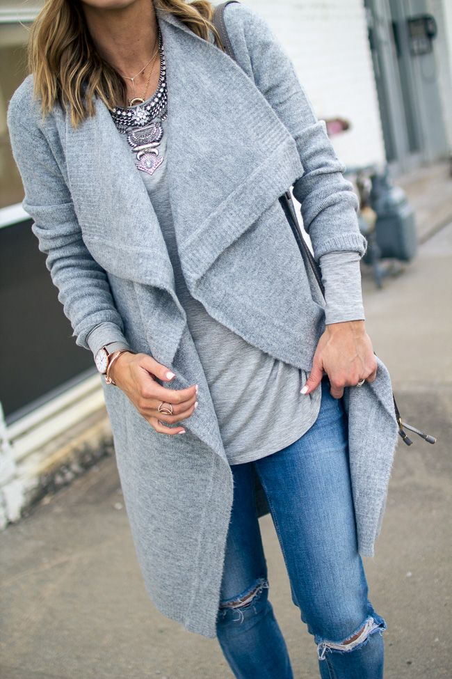 Grey layers // statement necklace