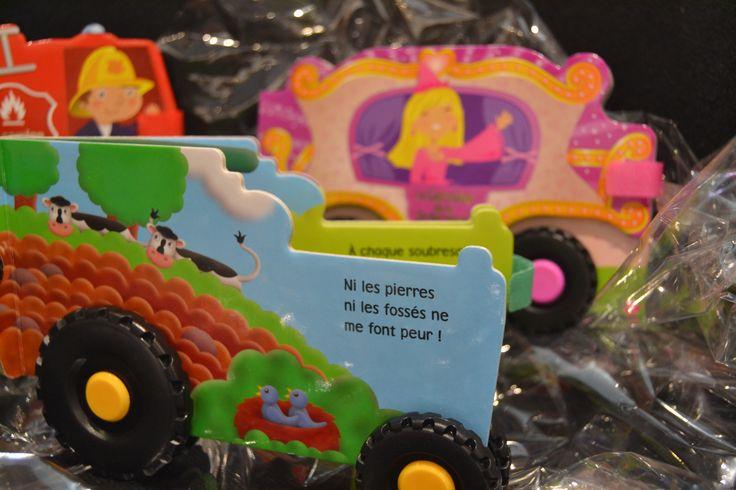 Les enfants en raffolent! Ces petits livres en forme de tracteur, de camion de pompier ou de carrosse sont nouvellement arrivés pour Noël! Le livre 4.95€, c'est pas du top budget ça?