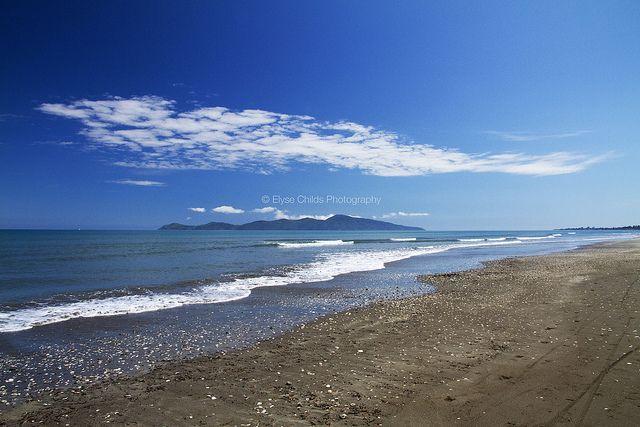 Kapiti Island from Paekakariki Beach | © Elyse Childs Photography