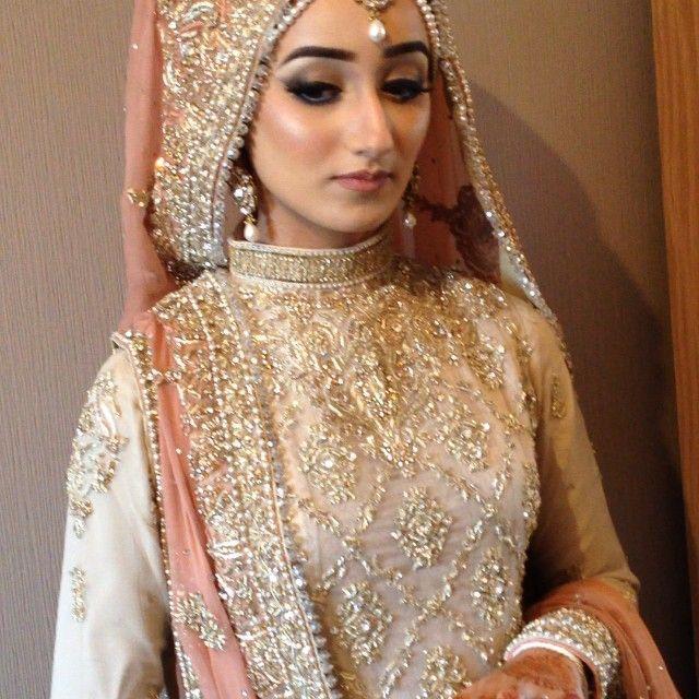 See This Instagram Video By 01shazia 327 Likes Wedding Hijab Styleshijab Bridal Hijablehenga Weddingstani