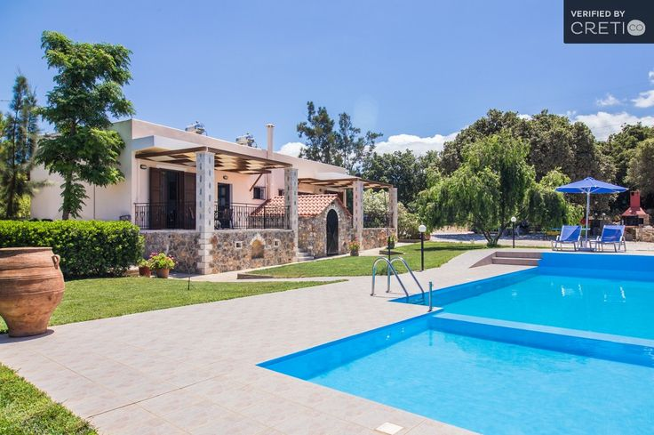 Holiday villa rental in Rethymno. Comfortable villa surrounded by oaks and olive trees. Idyllically positioned in peaceful large grounds, with su...