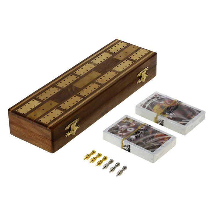 Conseils de jeu Cribbage Set, 2 jeux de cartes, 6 chevilles avec rangement en métal, Planches de cribbage, 2 jeux de cartes et 6 chevilles viennent dans une boîte de design au propre mesure 10 X 3 X 1,5 boîte inches.The a élégamment conçu unité de stockage de tenir un jeux de cartes à jouer et des chevilles .