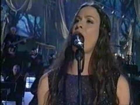 Alanis Morissette - Univited  Extraordinary liveperformance!