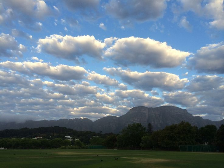 Indecisive weather, early morning walk, Cape Town.