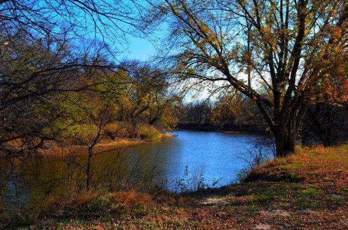 Take A Beautiful Fall Foliage Road Trip To See Nebraska