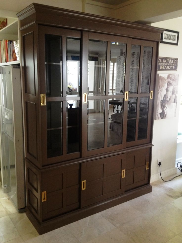 kitchen display cabinet with bevelled glass and sliding doors. Parktown nth client