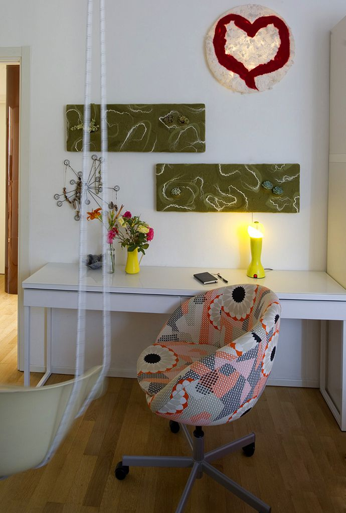 Design Judith Byberg Private house Ispra Photo Del Piano Navone. #interiordesign #furniture #lightdesign #nunofelt #lamp #felt #verticalgarden