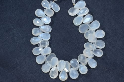 AAA-NATURAL-WHITE-MOONSTONE-FACETED-BRIOLETTE-PEAR-BEADS-8-034-LONG-STRAND-40-PEC