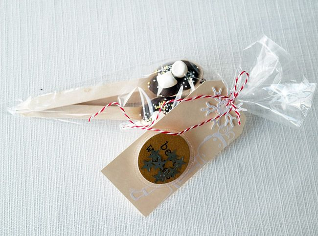 anma.no - Blog - 12 Days of Xmas - Kakaopinner / Hot chocolate on wooden spoons by Dt Linda.