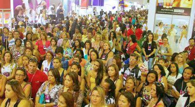 ♥ Feira da Beleza começou neste sábado com descontos e novidades em cosméticos ♥ PE ♥  http://paulabarrozo.blogspot.com.br/2016/06/feira-da-beleza-comecou-neste-sabado.html