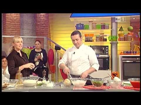 ▶ La prova del cuoco - Le pizze fritte di Gino Sorbillo - YouTube